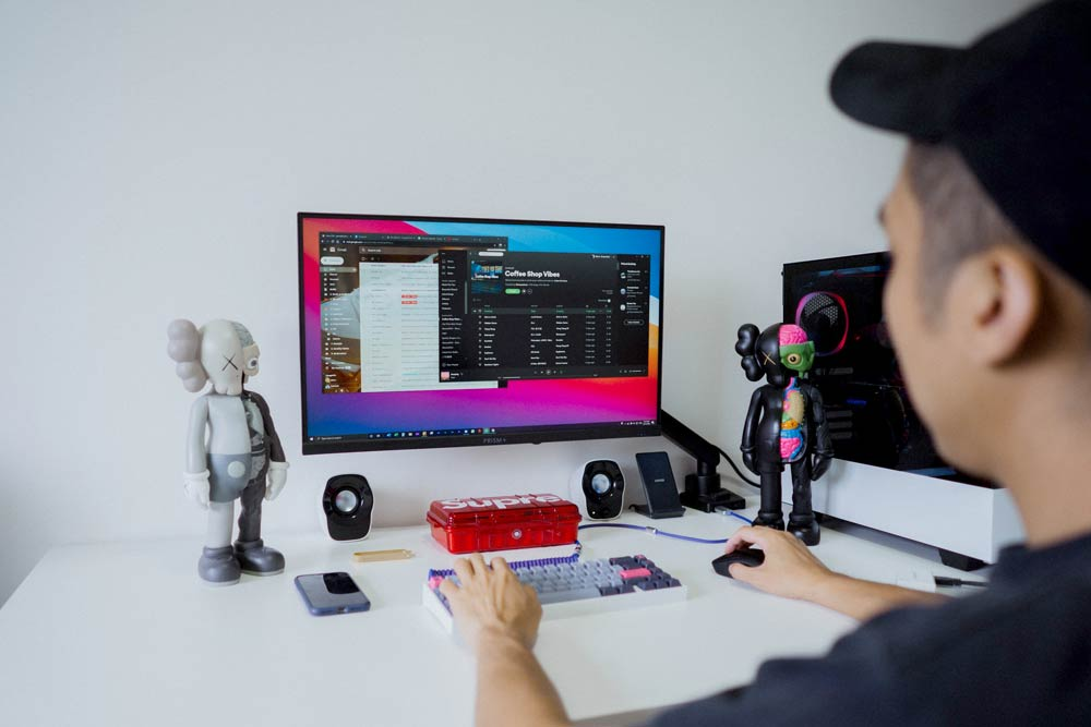 Best 21-Inch Monitors | Panel Types, Resolutions, & Refresh Rates